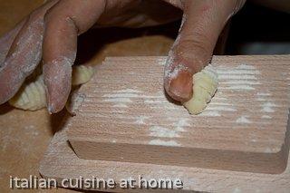 making potato gnocchi without wheat flour: recipe with ...